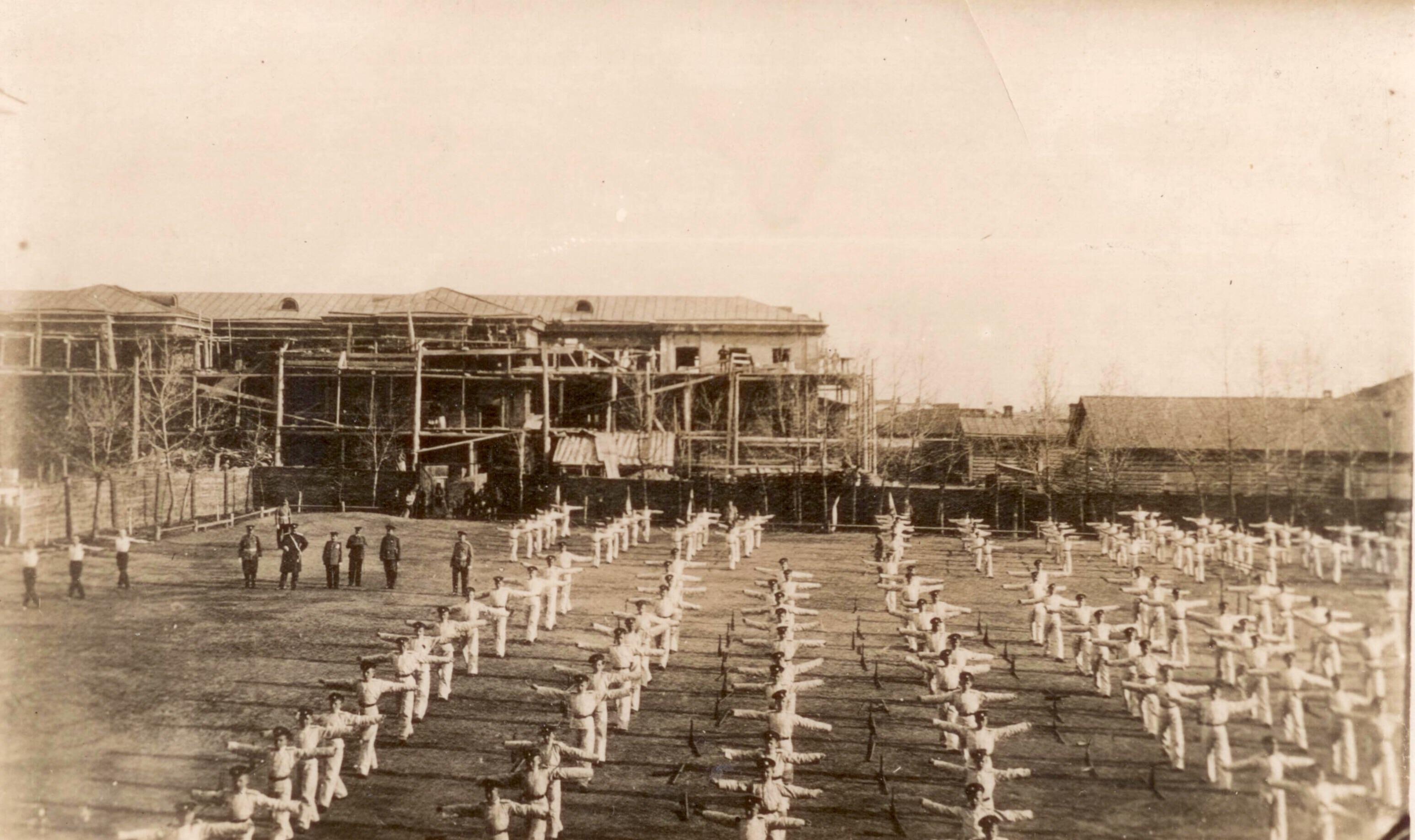 Сокольский праздник кадет. Строящееся здание лазарета кадетского корпуса.
