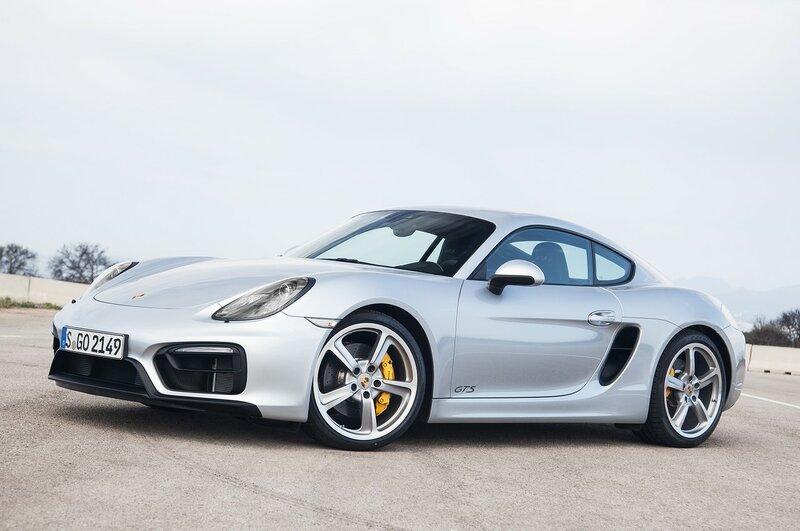На немецких автобанах поймали новый Porsche Cayman GT42016