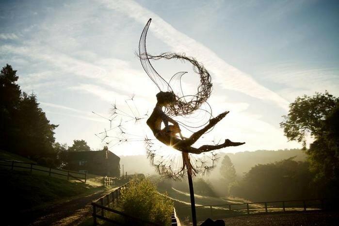Робин Уайт. Сказочные воздушные скульптуры из нержавеющей проволоки