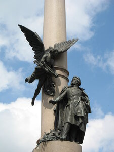 Памятник Адаму Мицкевичу во Львове. Фото quantum на Яндекс.Фотках