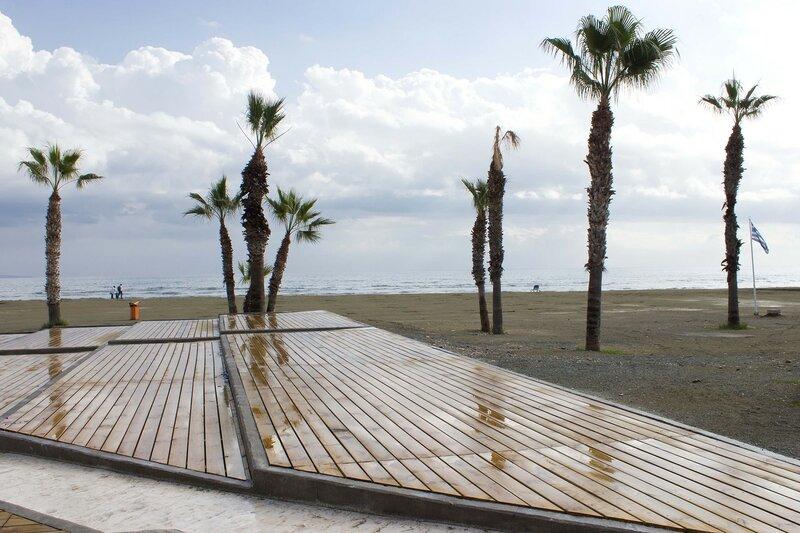 пляж Финикудес в январе