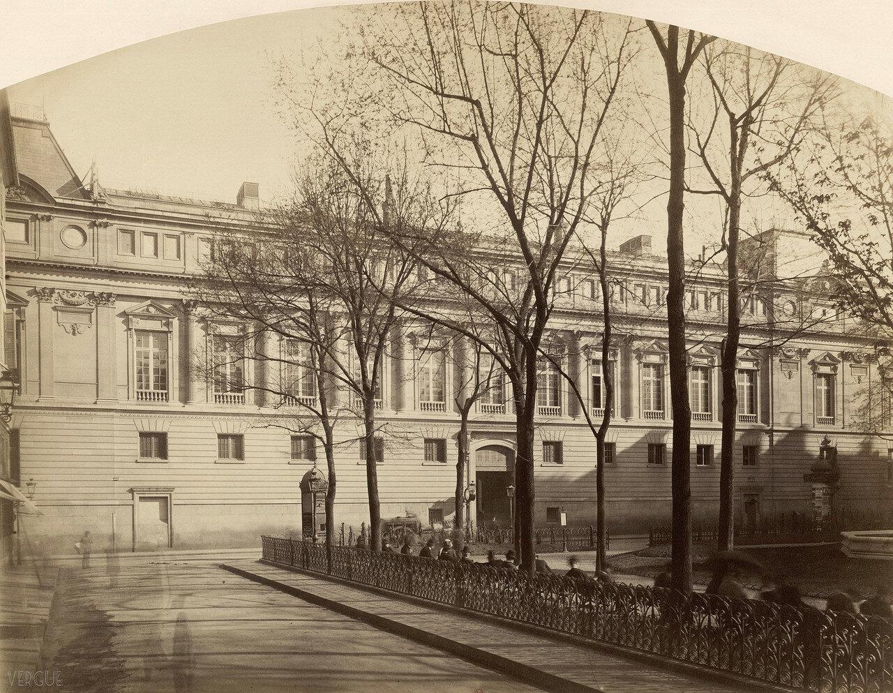 1870. Императорская библиотека на площади Лувра