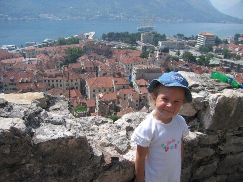 Черногория, Вид на Бока-Которскую бухту