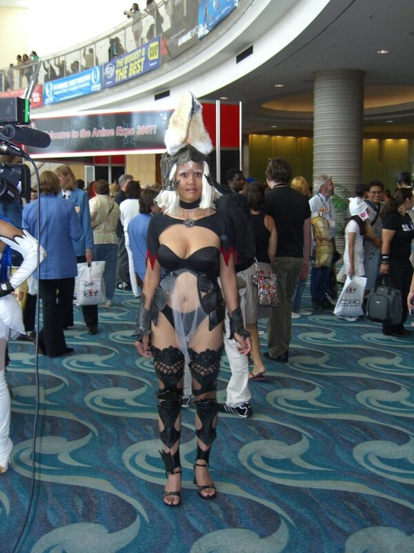 AX2007_female_cosplayer_ears.JPG