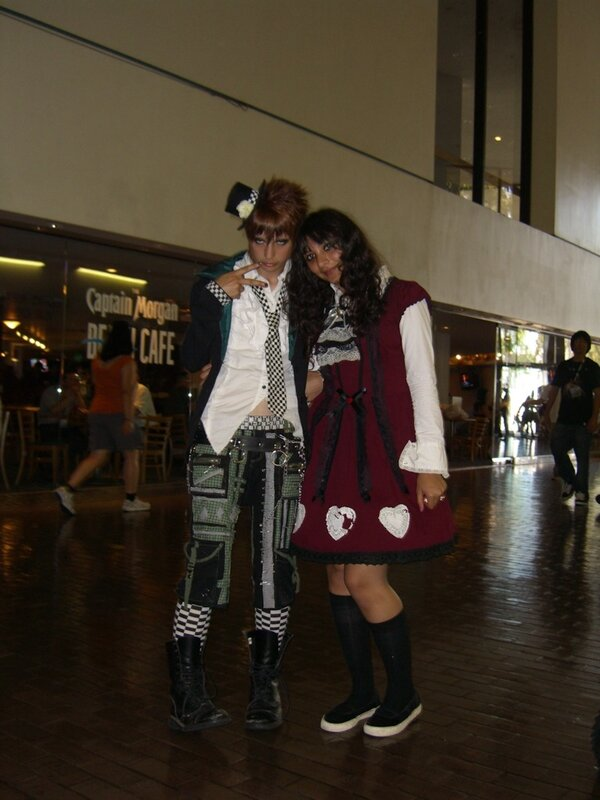 AX2007_cosplayers_hat.JPG