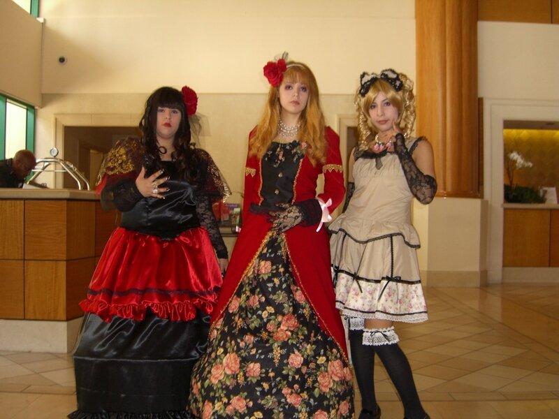 AX2007_gothic_lolitas_tabun.JPG