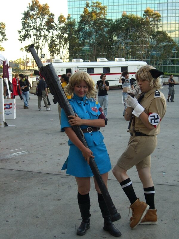AX2007_hellsing_cosplayers.JPG