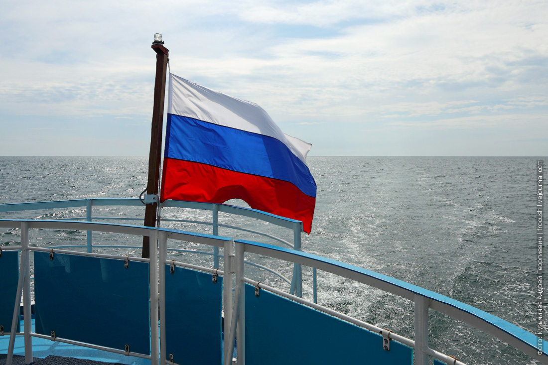 теплоход Русь Великая в Каспийском море