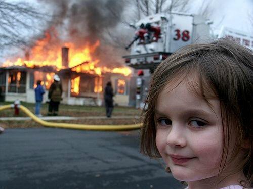 Картинки по запросу девочка и дом горящий