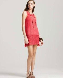 Коралловое лето-платье крючком от Theory.