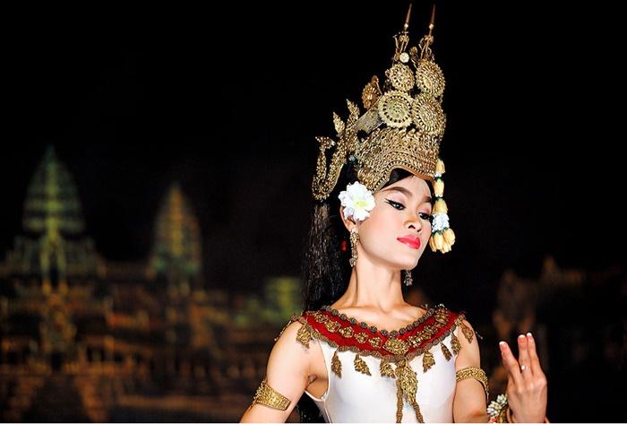 Прекрасные небесные танцовщицы апсары из Камбоджи