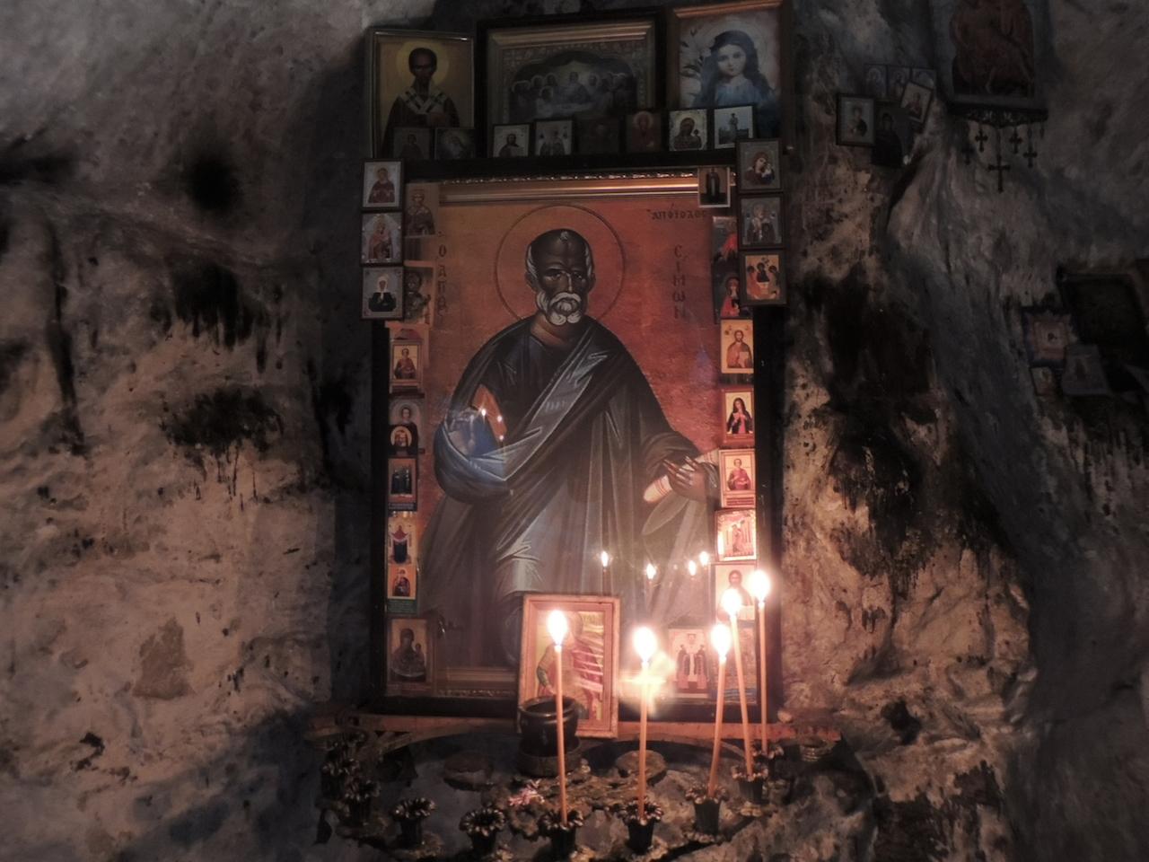 Абхазия Новый Афон Парк Келья грот святого Апостола Симона Кананита 14 марта 2015 г., 16-056.JPG