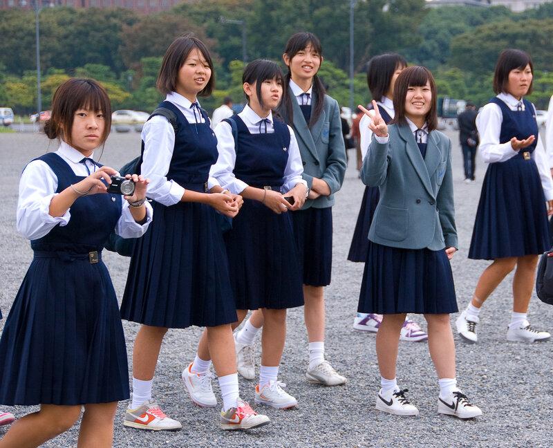 Японские школьнцы оттраханы парнями в маске фото 380-24