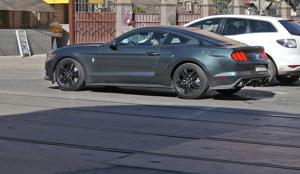 Ford-Mustang-DSC01672.JPG