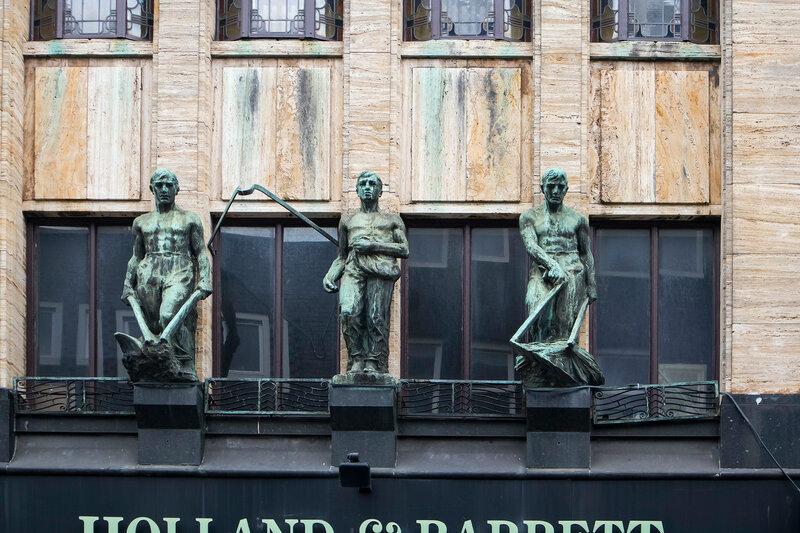 hoi and barrett amsterdam building sculpture
