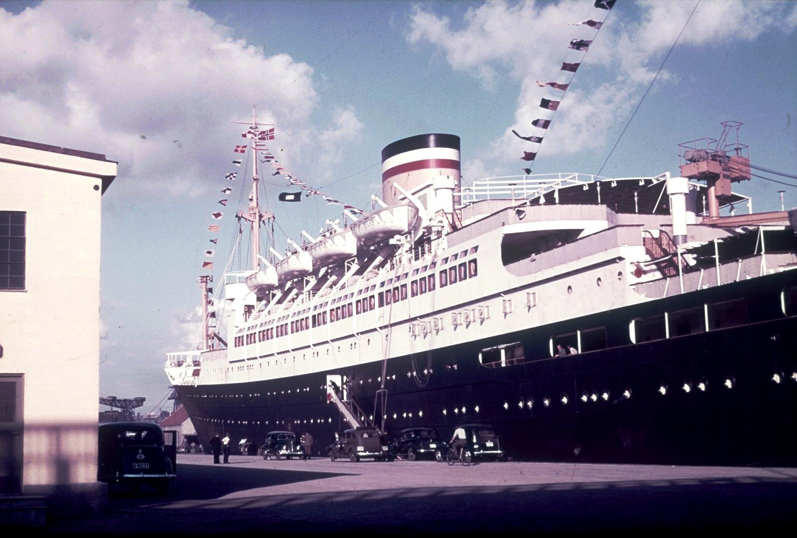 Осло. Пассажирское судно «Patria» (1938) в гавани