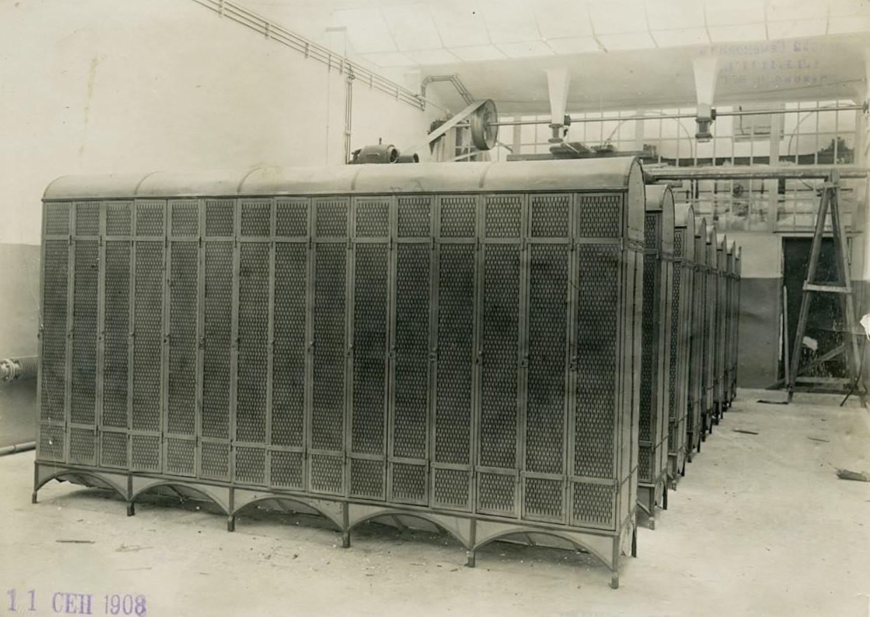 11 сентября 1908. Первые в России индивидуальные шкафчики для переодевания персонала Ново-ткацкой фабрики