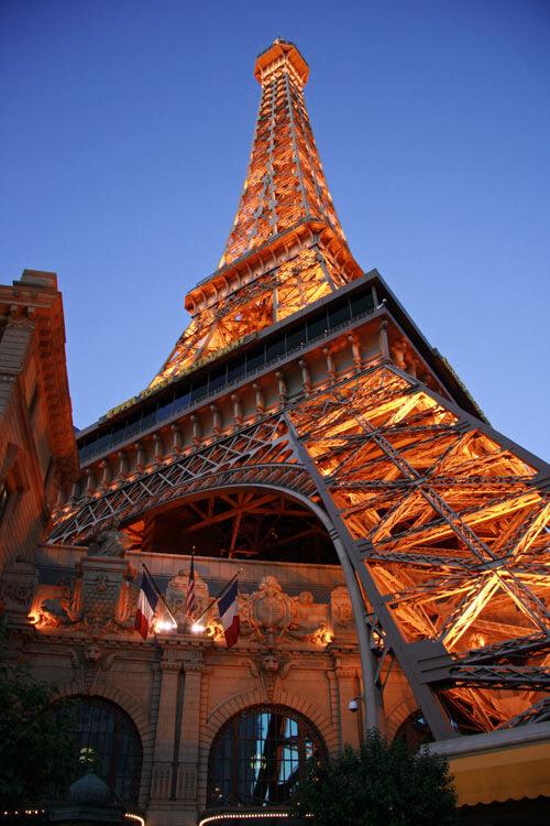 эйфелева башня в вегасе