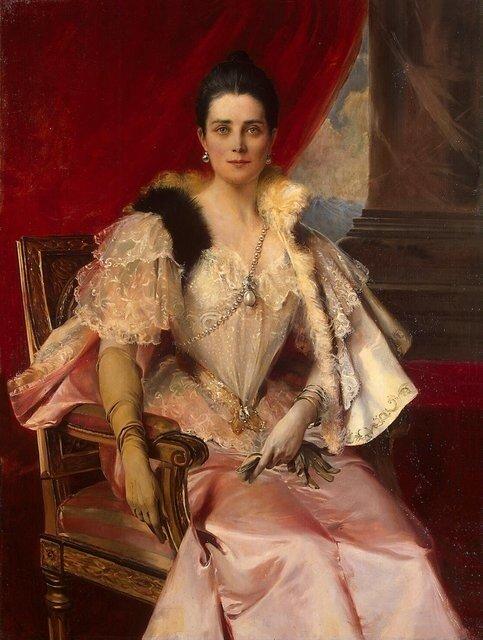 На портрете, написанной модным французским живописцем Фламенгом, княгиня представлена в роскошном туалете, украшенном принадлежавшей некогда испанскому королю Филиппу II жемчужиной