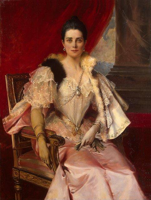 """На портрете, написанной модным французским живописцем Фламенгом, княгиня представлена в роскошном туалете, украшенном принадлежавшей некогда испанскому королю Филиппу II жемчужиной """"Пелегрина""""."""