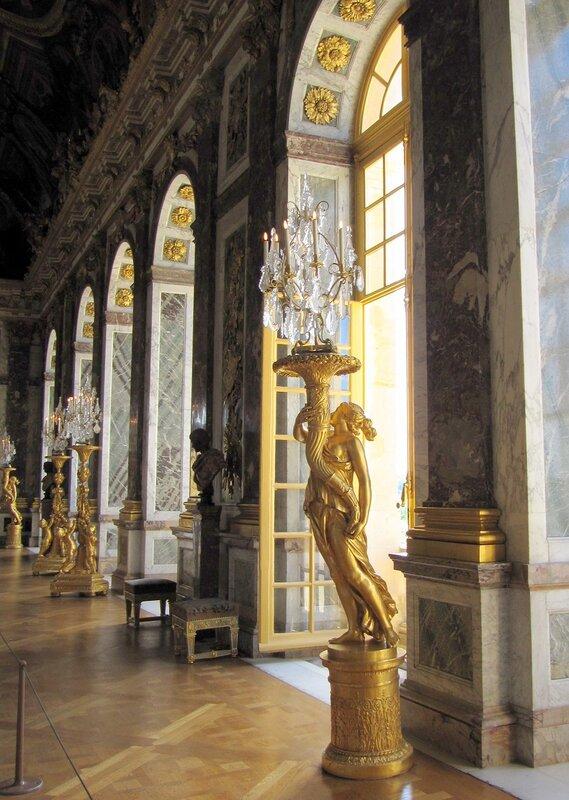 Зеркальная галерея в Версальском дворце
