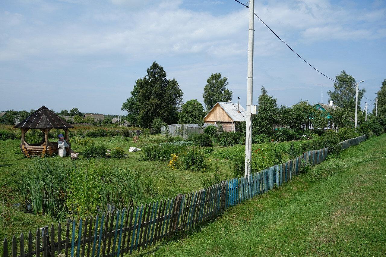 огород-цветник и чучело-хрючело