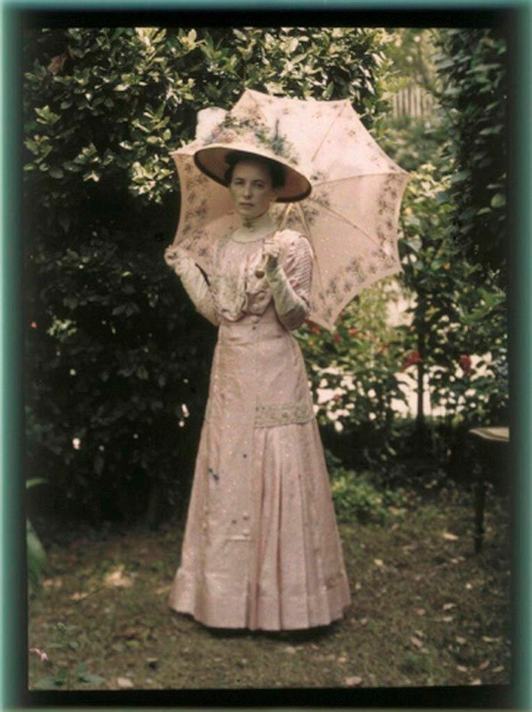 Вера Николаевна Веденисова. Ялта, 1914.jpg