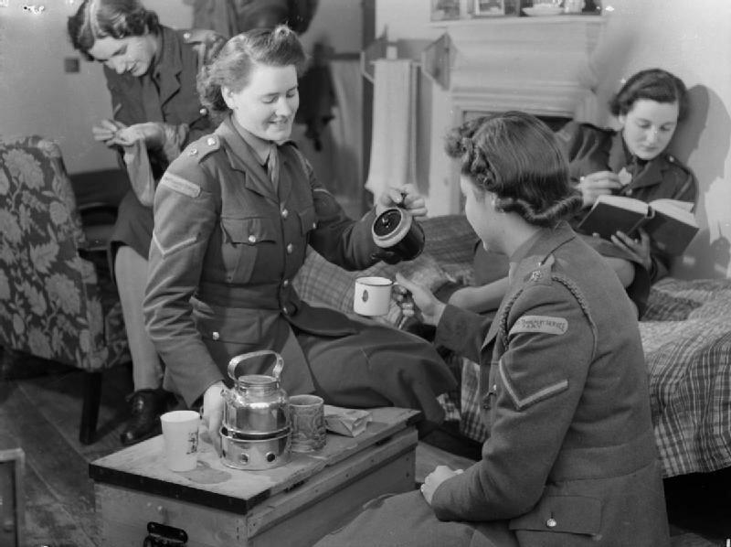 At_An_ATS_Motor_Transport_Company_Training_Centre,_Camberley,_Surrey,_1941_D5725.jpg