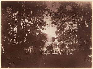 03. Освещенной фонтан в дворце Монплезир