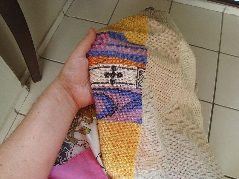 Процесс вышивки Августина