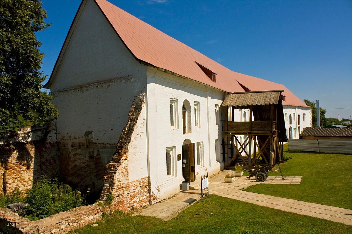 Гостиница Черни (амбары). XVII век