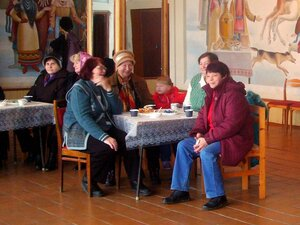 Гости на празднике в честь Дня Матери.