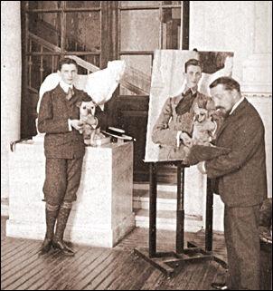 Феликс Юсупов позирует для портрета Валентину Серову.