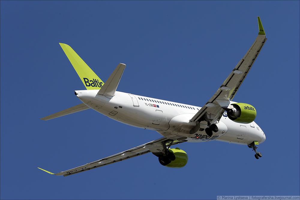 Air Baltic CS300