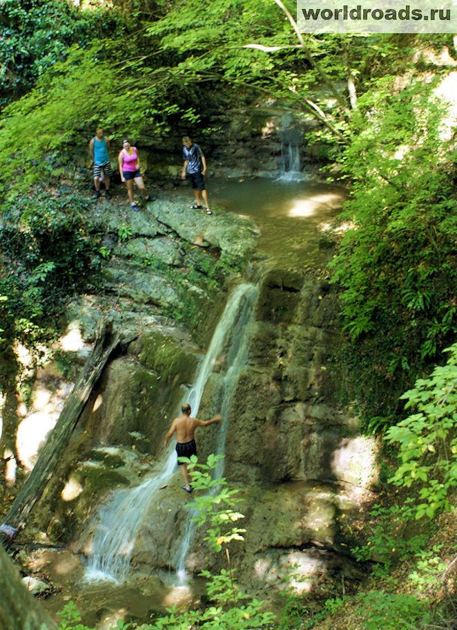 Агойские водопады