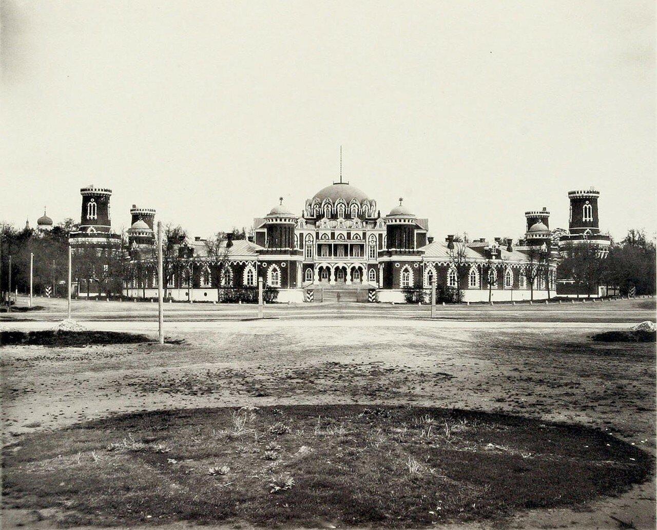 345. Петровский дворец