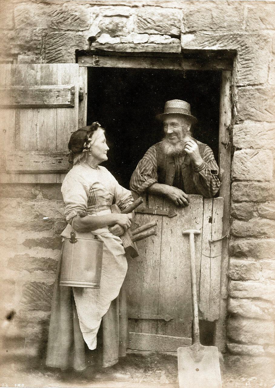 через смотреть старое ретро фото девятнадцатого века она что-нибудь делает