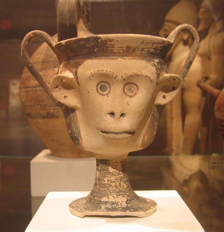Канфар в виде головы обезьяны