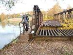 На велосипеде - по остаткам бывшего моста