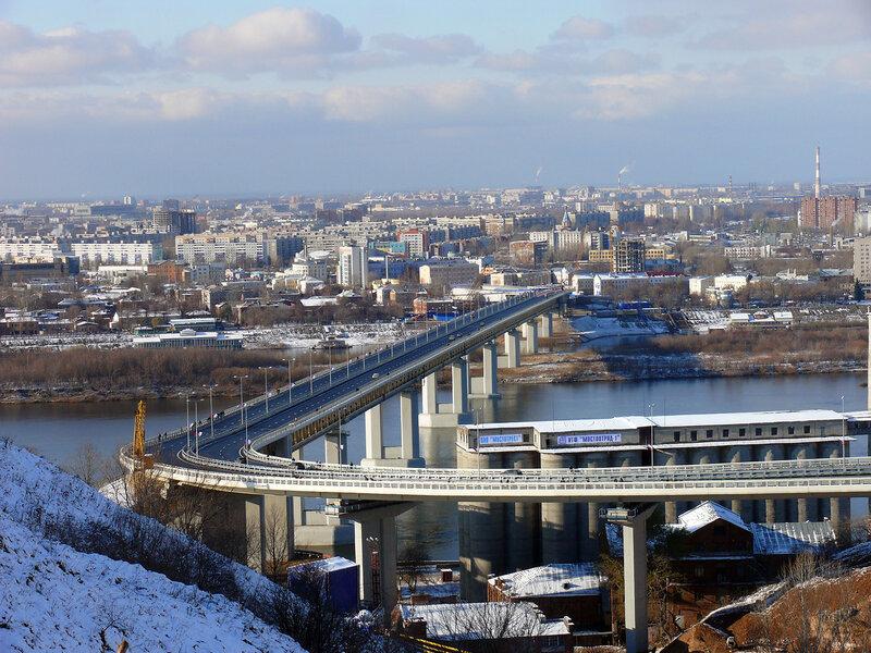 Вид метромоста с нагорной части г. Нижнего Новгорода.