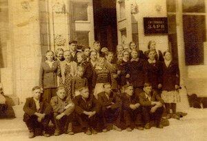 Экскурсия колхозников на ВДНХ, 1958год