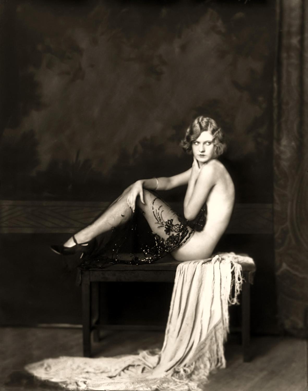 Смотреть эротику 20х годов 12 фотография
