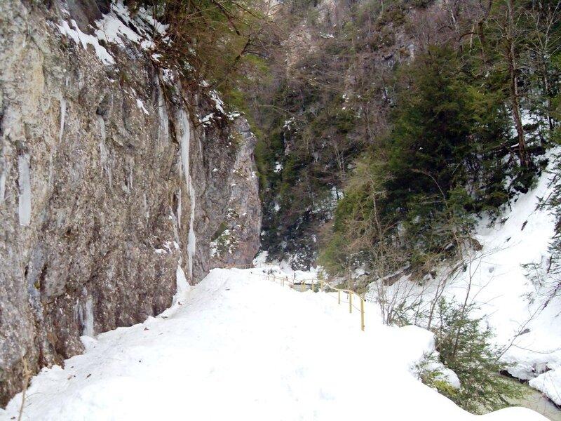 001. Гуамское ущелье (37)