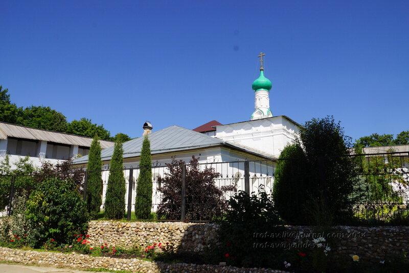 Церковь Илии Пророка и больничные палаты, Свято-Пафнутиев Боровский монастырь