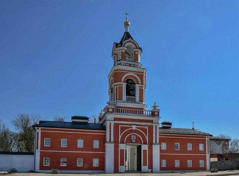 Колокольня Спасо-Вифанского монастыря.jpg