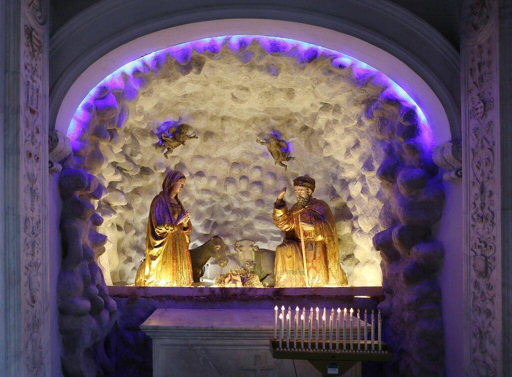 San Domenico Maggiore church. Naples. Интерьеры