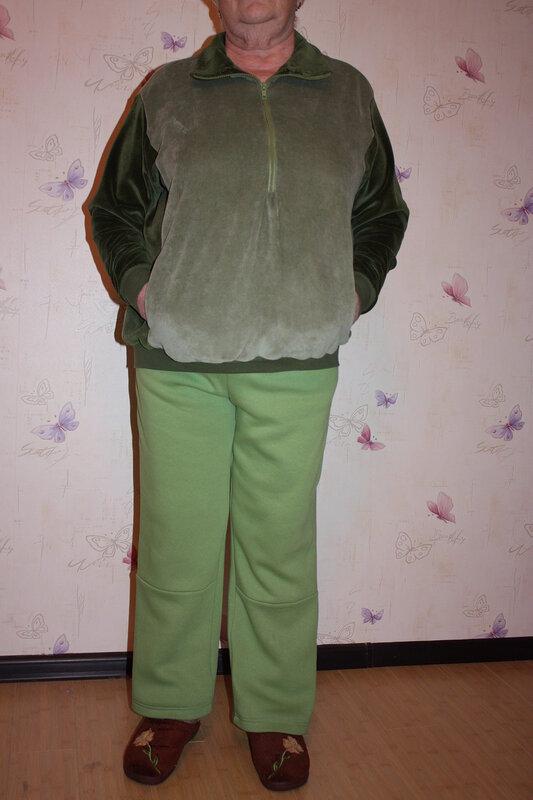 А это уже сшито на новом месте.  Зимний костюм из плащевки Nataa.