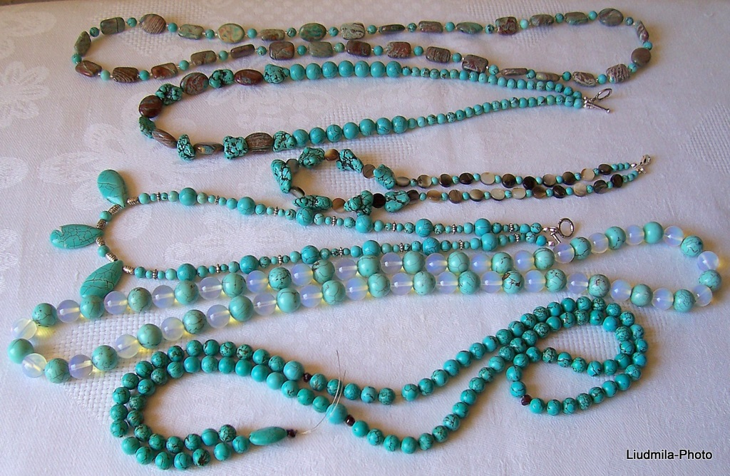 howlite,turquoise,opalite,necklace,gift,semiprecious stones