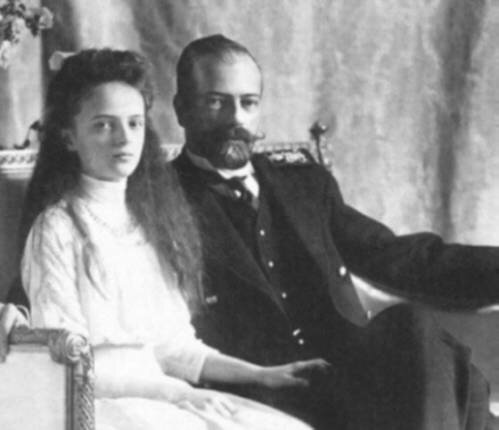 Великий князь Александр Михайлович с дочерью Княжной императорской крови Ириной, будущей женой князя Феликса Юсупова-младшего.