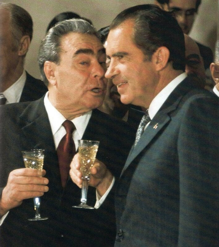 Брежнев и Никсон.jpg